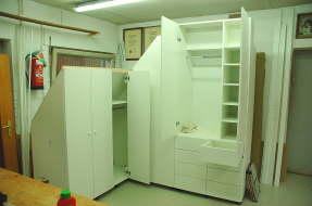 dachschr genschrank. Black Bedroom Furniture Sets. Home Design Ideas